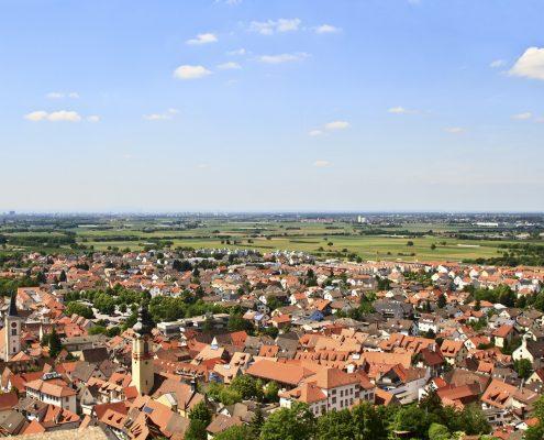 Blick von der Strahlenburg in Richtung Schriesheim